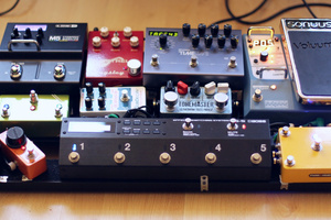 Pedal board with Boss ES-5 Effects Switching System