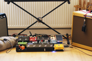 Stereo guitar rig with two amps